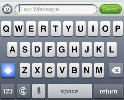 на iPhone 5 включена блокировка заглавных букв