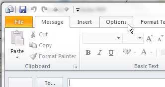 Перейдите на вкладку «Параметры» в окне сообщений Outlook.