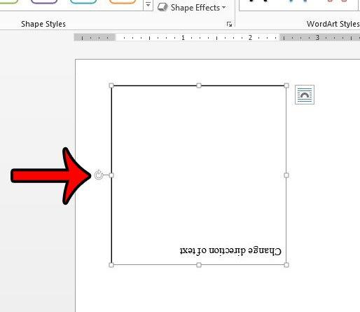 используйте ручку поворота, чтобы изменить направление текста в слове 2013